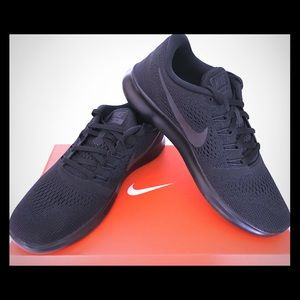 NEW! Nike Free RN Running Shoes Black on Black